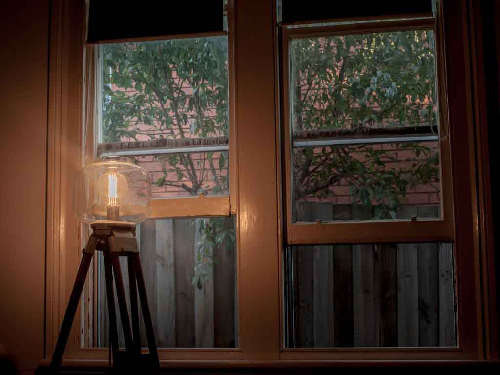 4 smart ways to share your way to a home deposit - lamp and windows