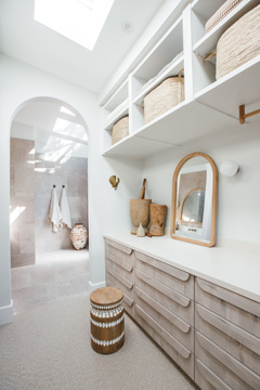 Kyal and Kara Ep 4 ensuite storage